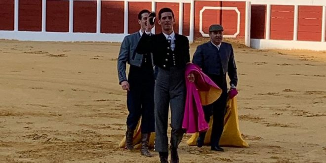 Corta Iñaki González una oreja en clase práctica