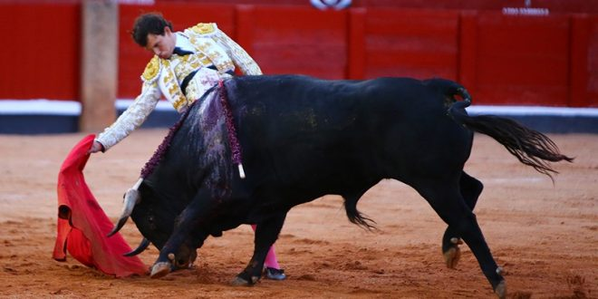 Roza Aguilar la Puerta Grande