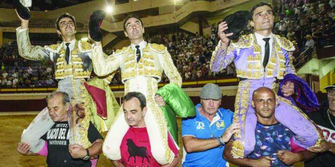 Todos a hombros en Murcia