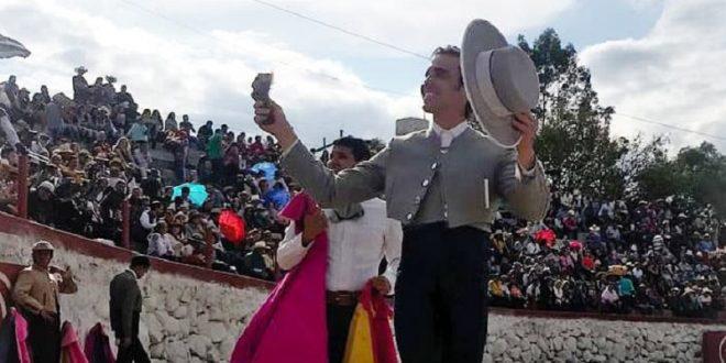 Agradable festival en Lagunillas, Michoacán