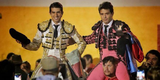 A hombros, El Chihuahua y El Calita en Villanueva, Zacatecas