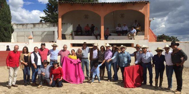 A tono, Antonio Lomelín en Coyotepec (*Fotos*)