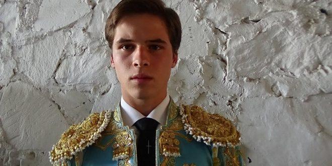 Una oreja a Juan Pedro Llaguno, en Querétaro