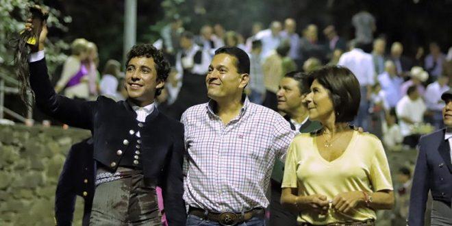 Triunfa Valadez en Los Fernández, con burel de indulto