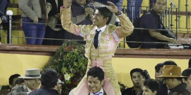 A hombros, 'El Mojito' en Tlaxcala