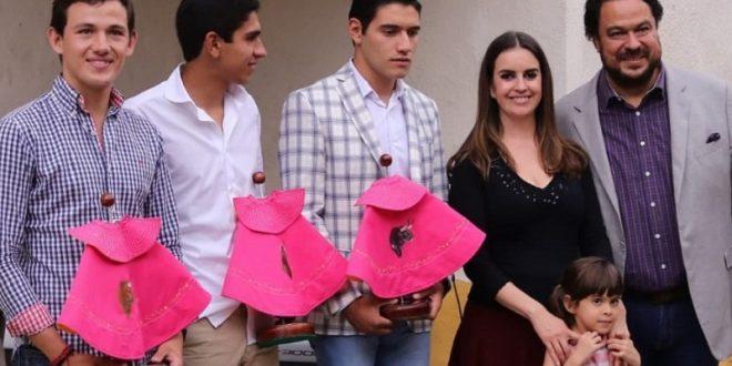 Agradecen brindis a Gutiérrez, Aguilar y Esparza