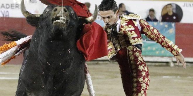 El Galo cuaja la faena de la noche en Puebla; Ponce, oreja de su primero