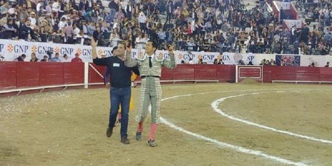 Triunfa El Zapata y la ganadería de Pepe Garfias en corrida Guadalupana