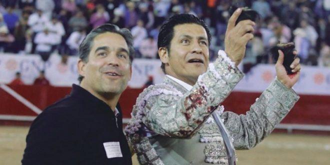 Sale El Zapata a hombros en León