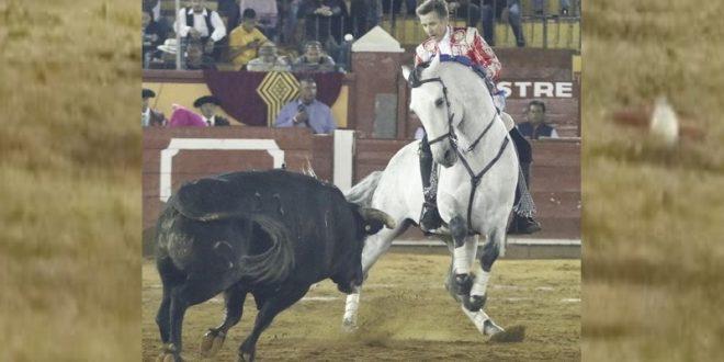 Triunfos de HERMOSO DE MENDOZA y RIVERA, en Tlaxcala