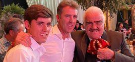 HERMOSO DE MENDOZA, invitado de lujo del gran VICENTE FERNÁNDEZ