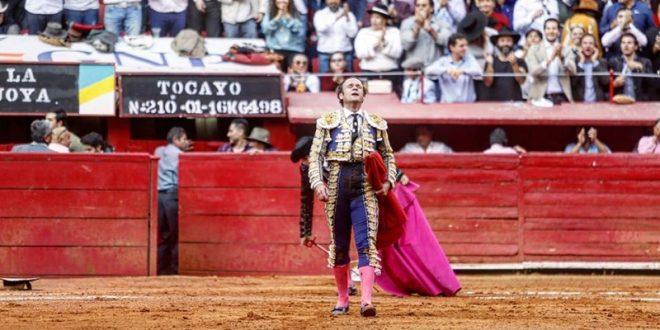Crece el idilio entre Ferrera y la afición mexicana