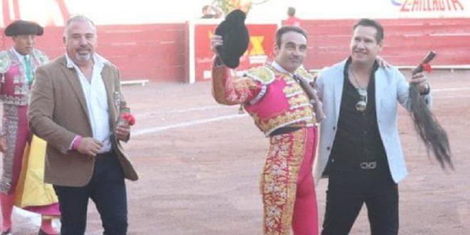 Corta ENRIQUE PONCE los máximos trofeos en Ciudad Lerdo
