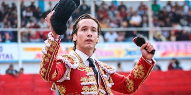 Tiene Arturo Gilio apoderado español