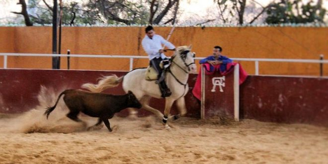 Cuauhtémoc Ayala regresa a los entrenamientos tras grave percance