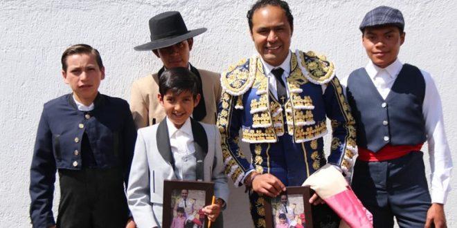 Angelino se apoya en la tecnología y…Forja toreros 'como los de antes'