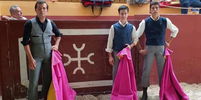 Hilario,Vidal y Sánchez, en la prestigiada ganadería de Torrestrella (*Fotos*)