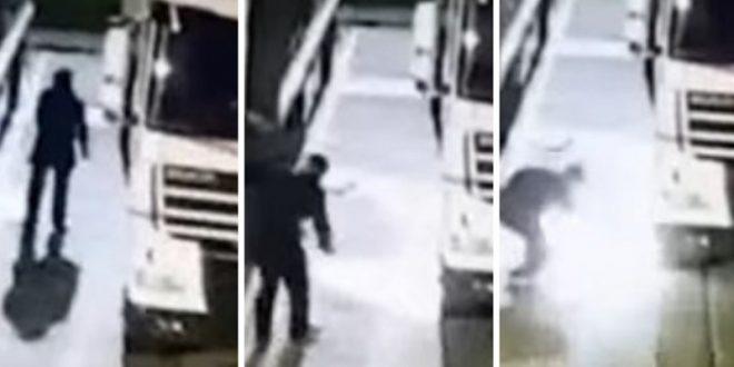 Anti se prende fuego, tras vandalizar camiones