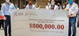 Para obra altruista…Joselito Adame entrega 800 mil pesos