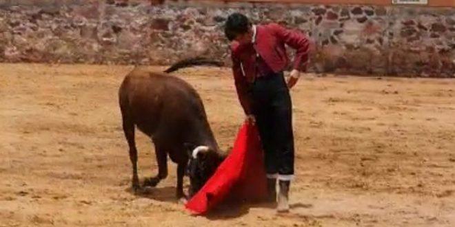 Antonio Lomelín se alista en el campo bravo