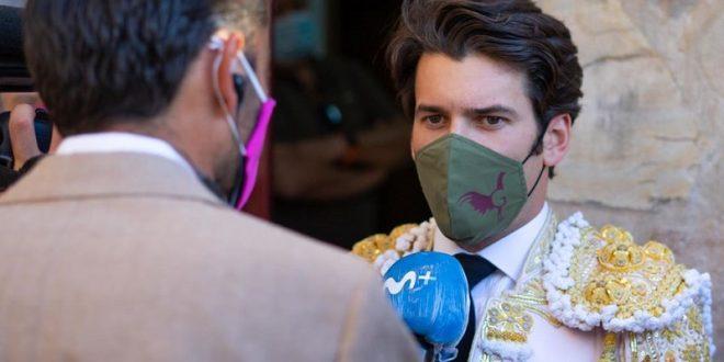 Garrido, altruista y solidario, pone a la venta cubrebocas