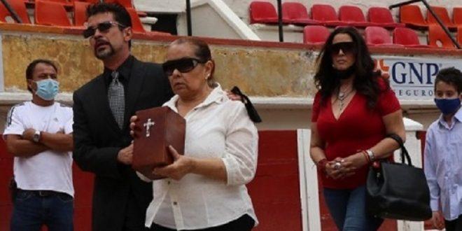 "Último adiós al ""arqui"" Rivera Río"