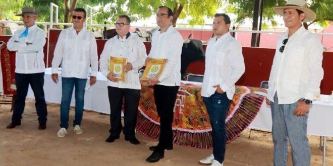 Presentan libro en Mérida