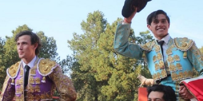Ibelles y Aguilar a hombros en el Cortijo Los Ibelles; ganan su inclusión al festejo de triunfadores