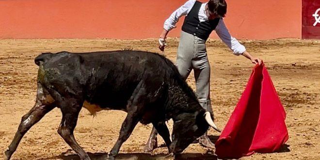 Gilio, de tienta en la prestigiada ganadería de LOS ENCINOS