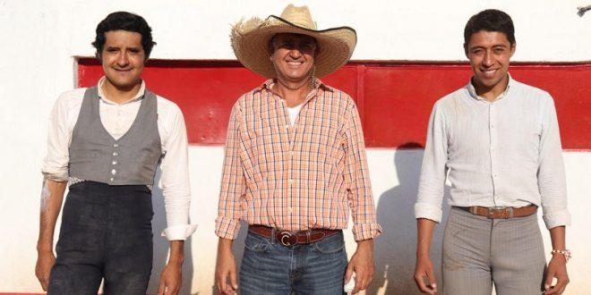 Celebran a la Plaza México en la ganadería de Tenopala (*Fotos*)