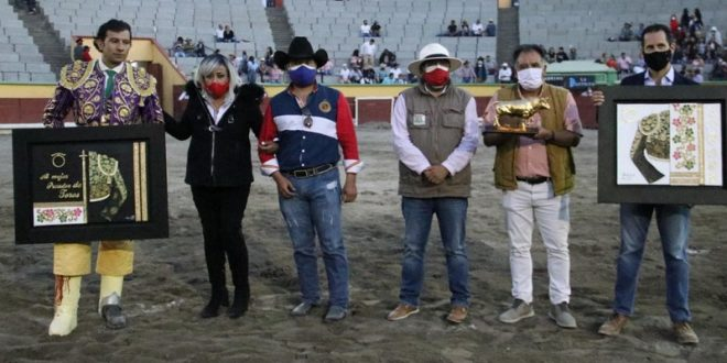 APIZACO: Gana La Antigua concurso de ganaderías; César Morales, el mejor puyazo (*Fotos*)
