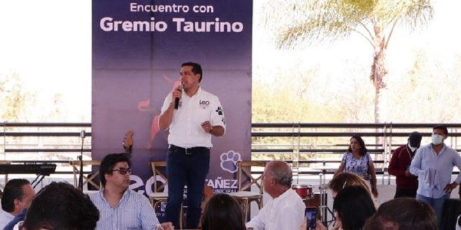 """""""Tierra de la Gente Buena"""" y del """"Toro"""", Afirma el candidato Leo Montañez"""