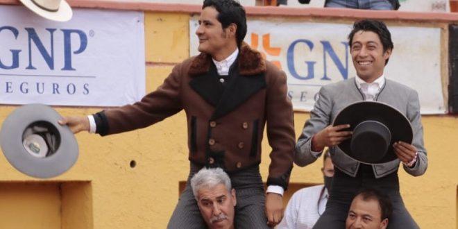De Arriaga y Flores salen a hombros en Aguascalientes