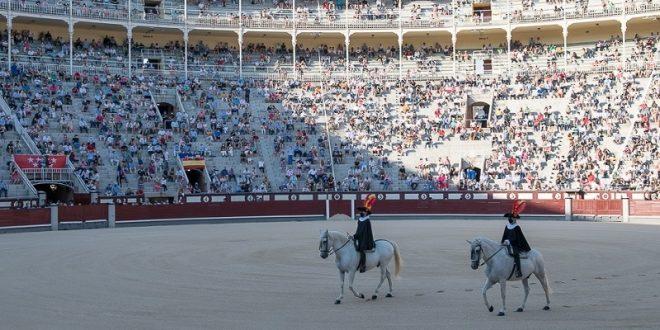 Par de trofeos, en Las Ventas