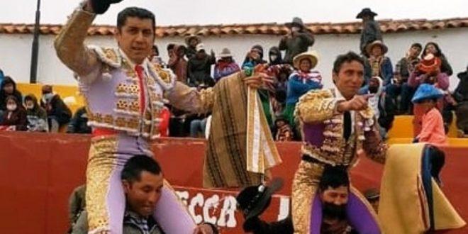 Juan Luis Silis y Manolo Juárez, a hombros en Perú